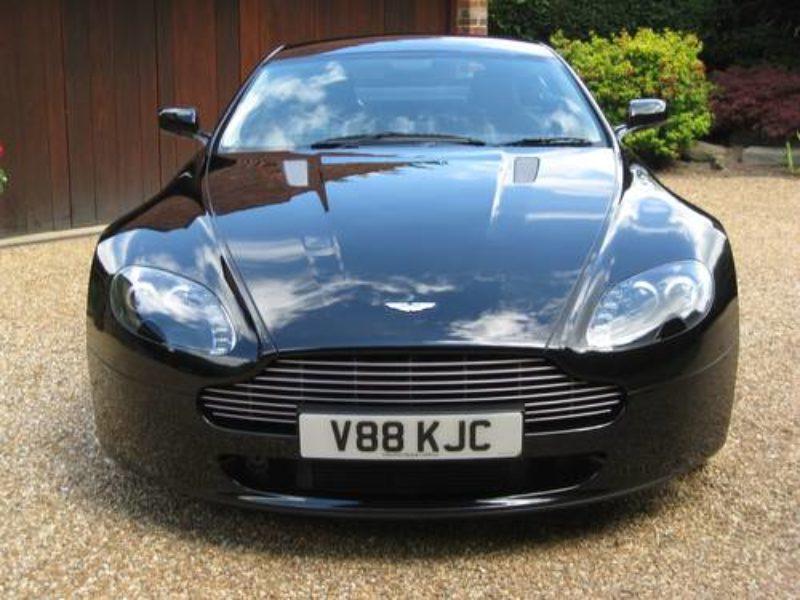 Aston Vantage V8