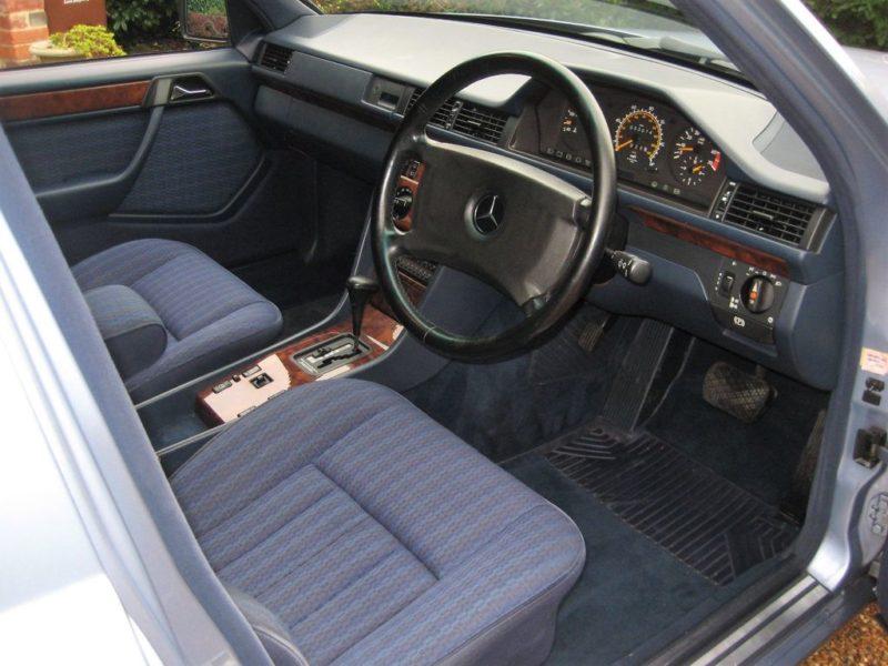 Mercedes Benz 230